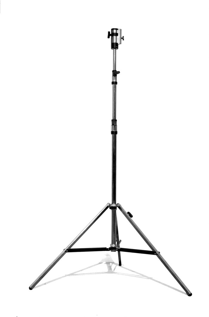 "Matthews standard 42"" x 42"" reflector with yoke brake — silver / ship crate included"