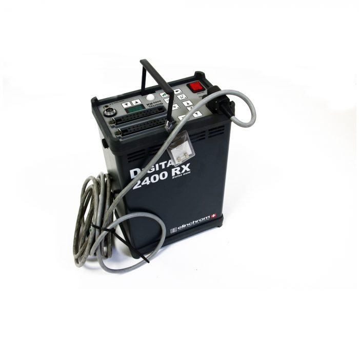 Used elinchrom rx2400 pack