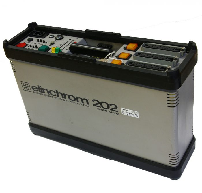 Used elinchrom 202 pack with elinchrom s heads