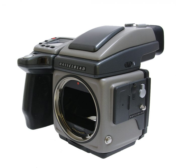 Used hasselblad h4x body with hv90x prism finder