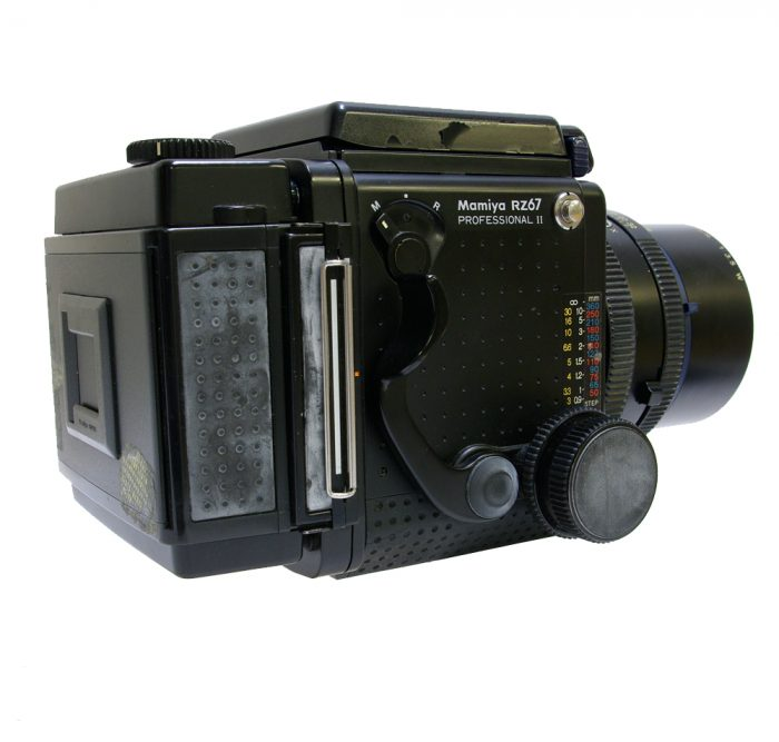 Used mamiya rz67 pro ll with 90mm f3.8 + 120 roll film holder