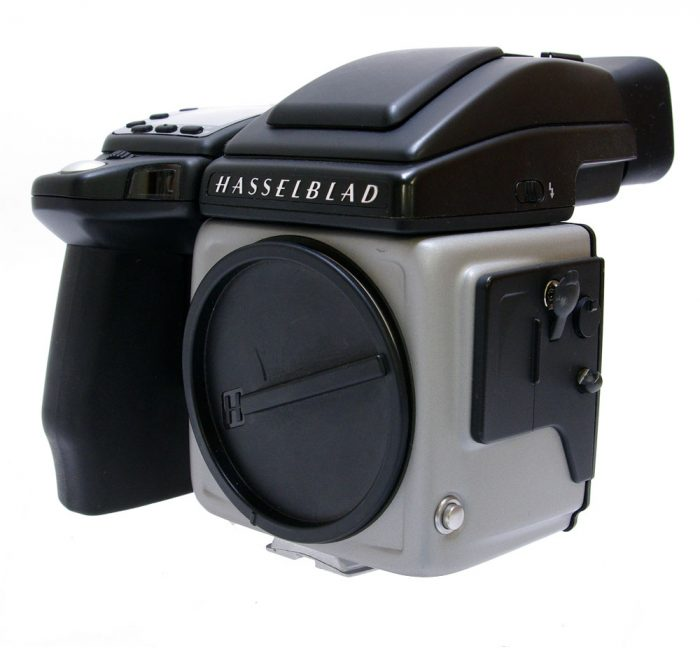 Used hasselblad h5x body with hv90x prism