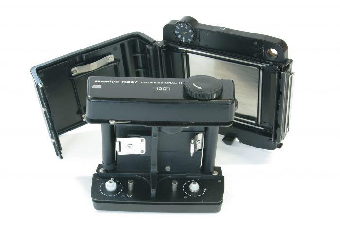 Pre-owned mamiya rz67 pro ii 120 roll film holder (6×7)
